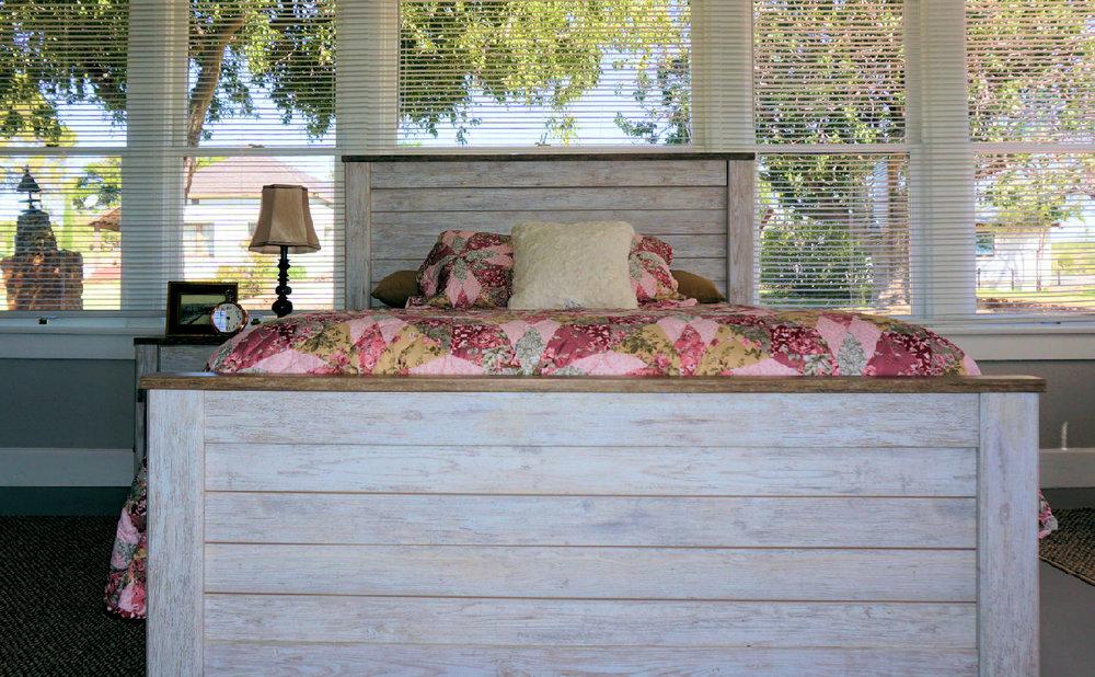 Nixon 2 bed full view windiw .jpg