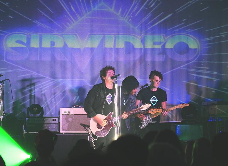 Brian-May-Guitar-At-Sir-Video-debut.jpg