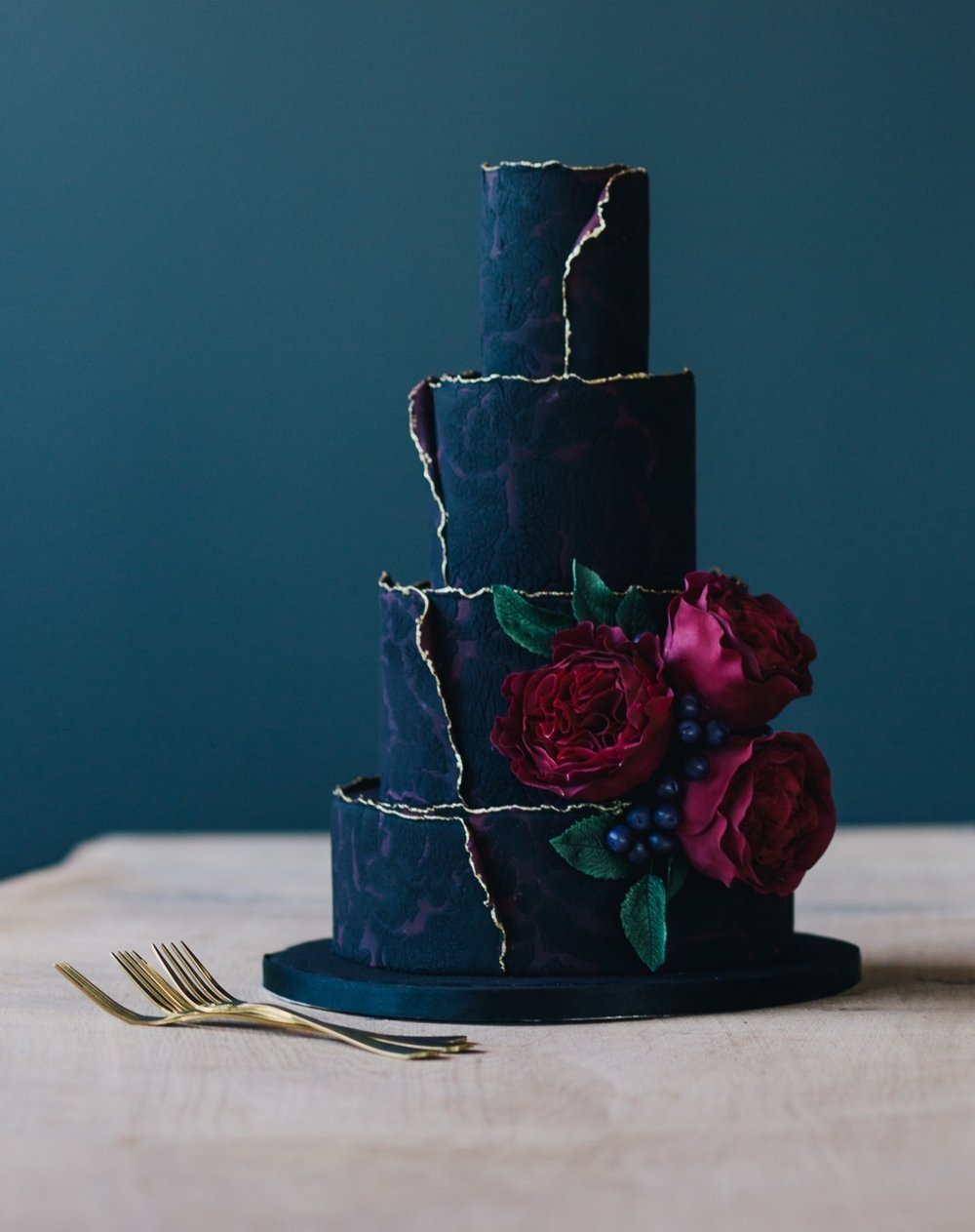 Weddings_In_The_Wyldes_cake.jpeg