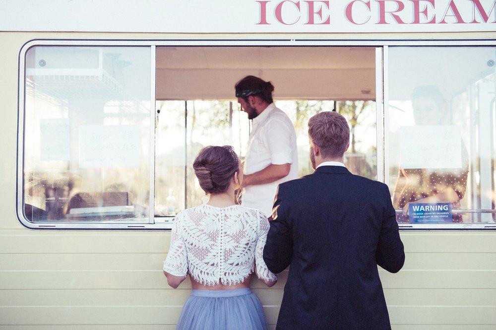 Weddings_In_The_Wyldes_icecreamvan.jpeg