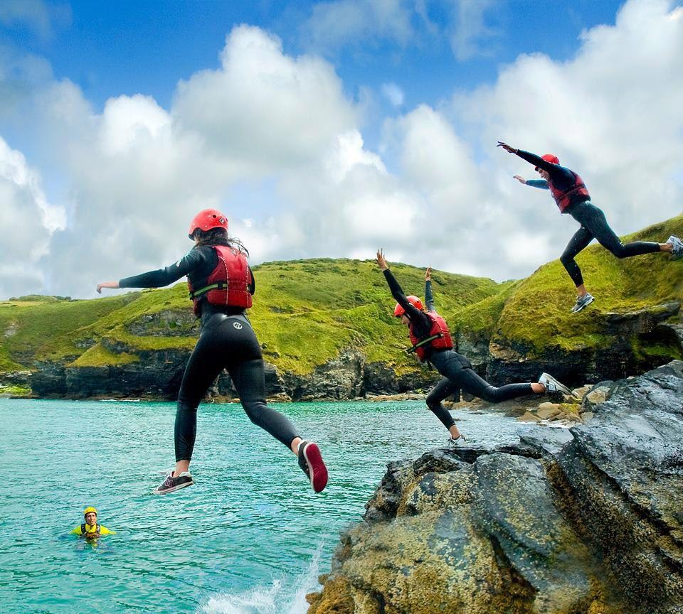 Outdoor Adventure Coasteering coaching | Image courtesy of Outdoor Adventure
