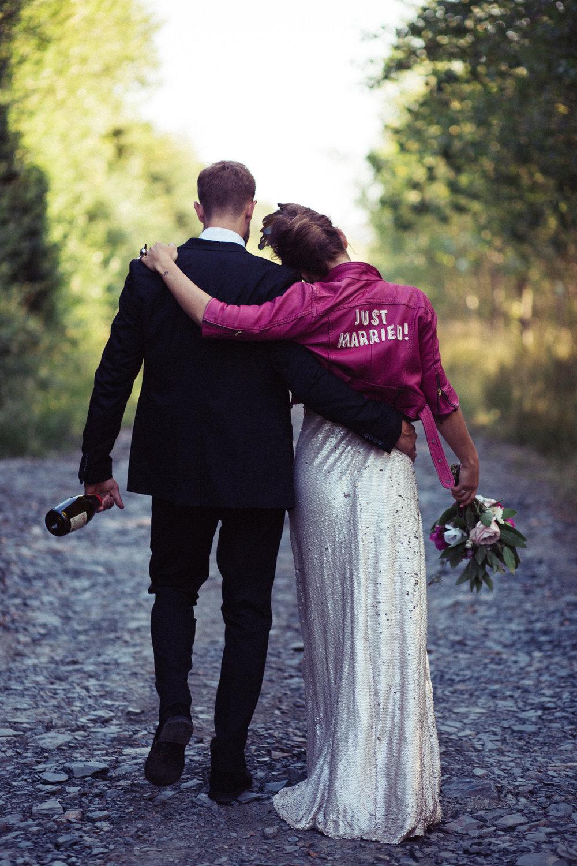 Weddings_In_The_Wyldes_Adj_Brown_couple3.jpg