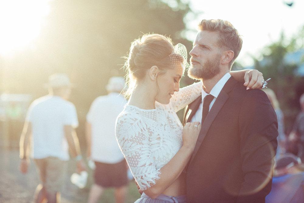 Weddings_In_The_Wyldes_Adj_Brown_couple8.jpg
