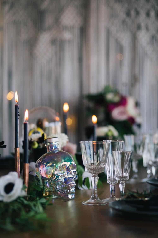 Weddings_In_The_Wyldes_Adj_Brown_tabledressing1.jpg