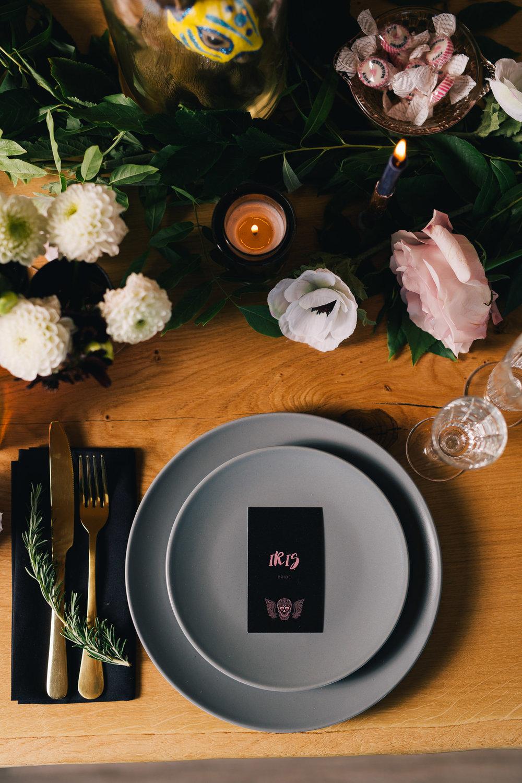 Weddings_In_The_Wyldes_Adj_Brown_tabledressing3.jpg