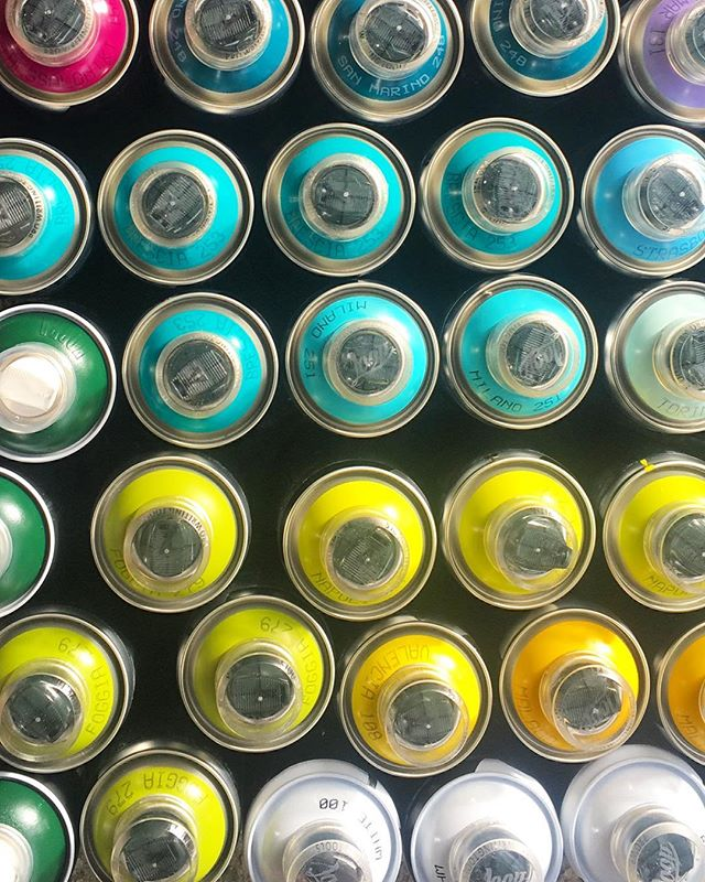 🧠🧠🧠 Exciting things are happening! @valleyretreatrevy @katesheadesign @hayleystewartart ⠀ ⠀ ⠀ #tripdip#spraypaint#colourfulart#artproject#seafoam#artpiece#landscapeart#scatterbrains