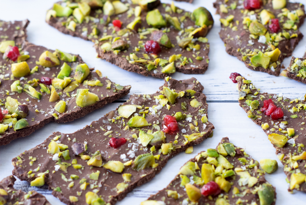 Bioflex---Blog---Pistachio-Chocolate-Bark.jpg