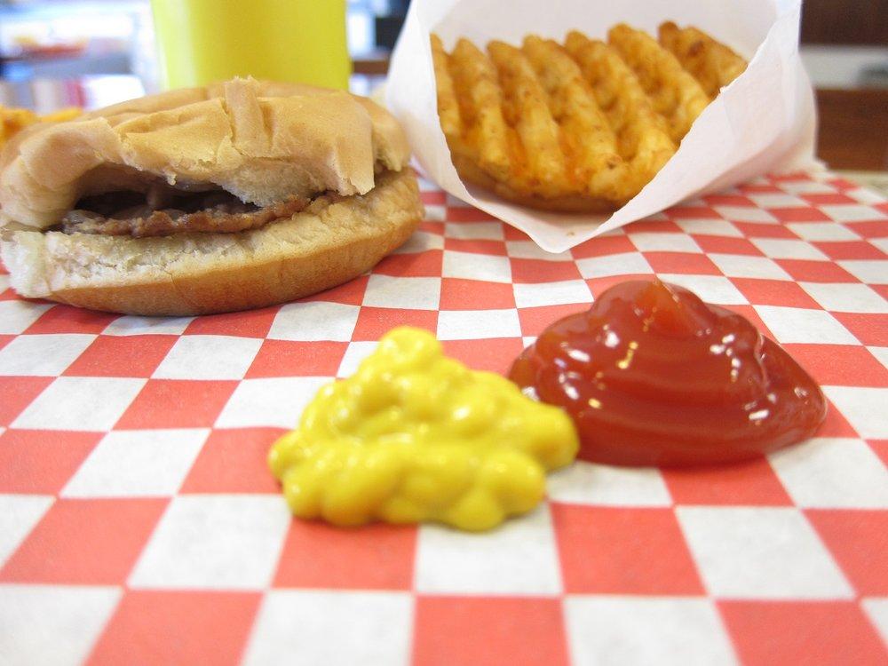 Cozy-Inn-Burger-spread.jpg