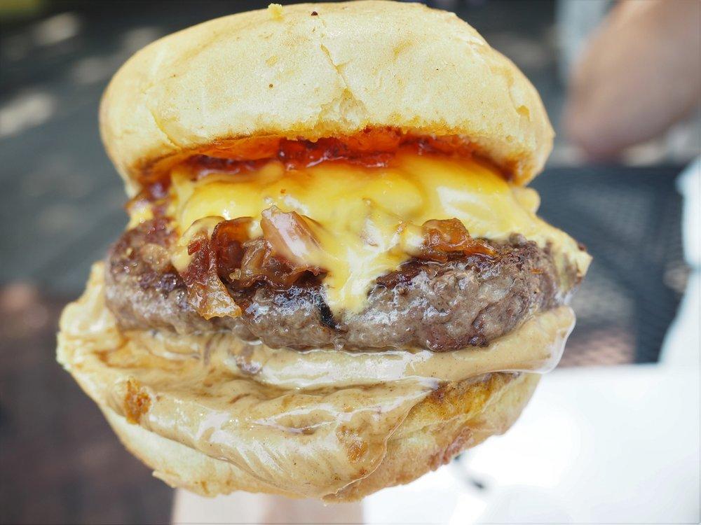 Elvis-Burger.jpg