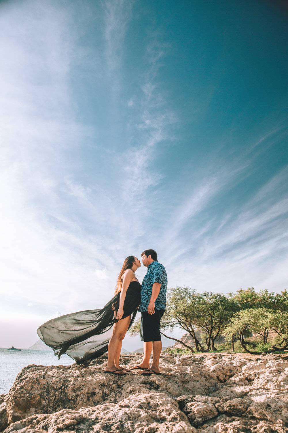 Hawai'i beach maternity photography