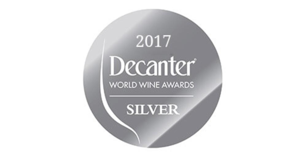 DECANTER WORLD WINE AWARDS SILVER MEDAL - Silver Medal Onepiò Lugana DOC 2015