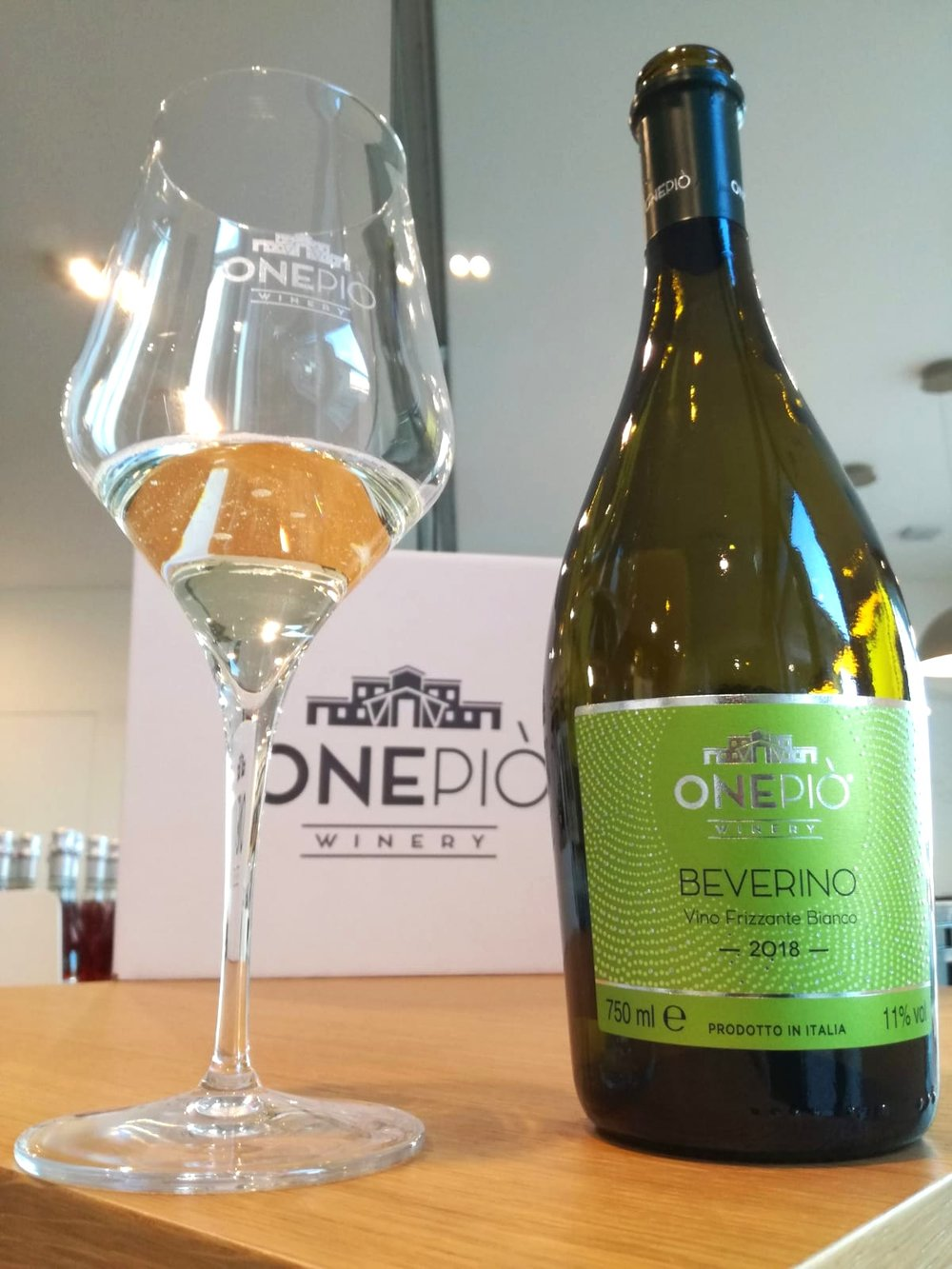 Beverino is Ready! - Slightly Sparkling White Wine, 100% Turbiana Grapes, excellent to express your creativity during aperitif with your friends.