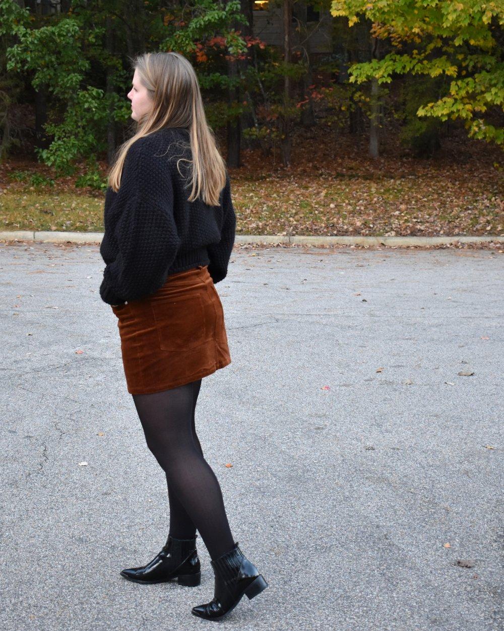 BlackSweaterSkirt3.JPG