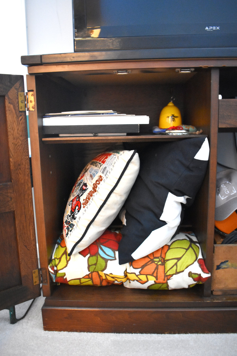 how to sustainably declutter your home