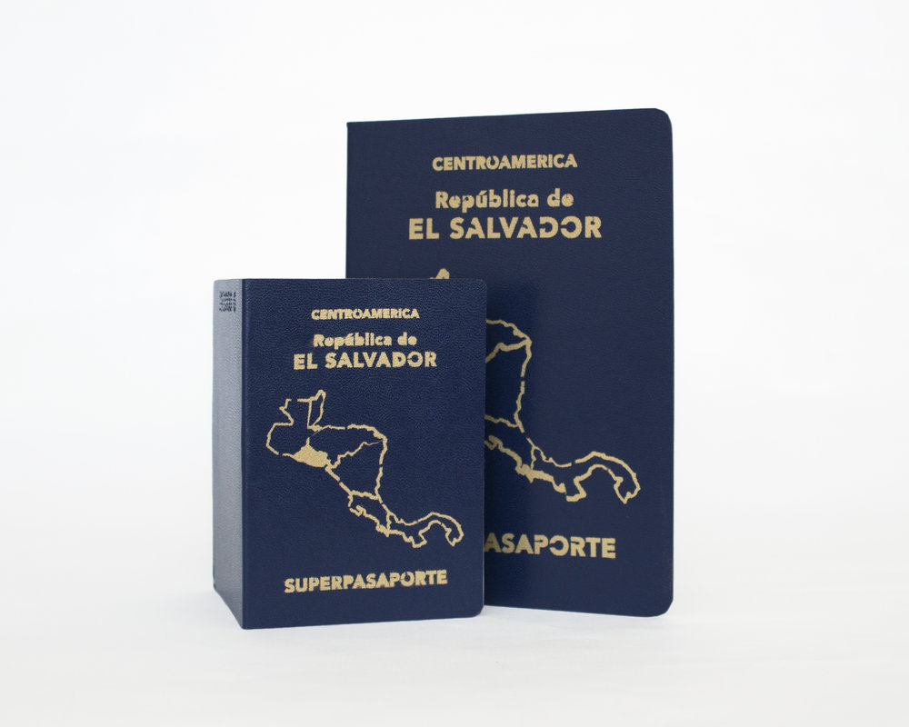 Front covers;  Superpasaporte Small Positive  124 x 89 mm  Superpasaporte Medium Positive  190 x 135 mm