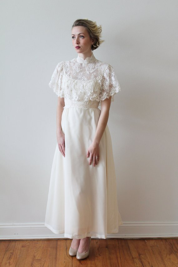 Vintage 1970s wedding dress.jpg