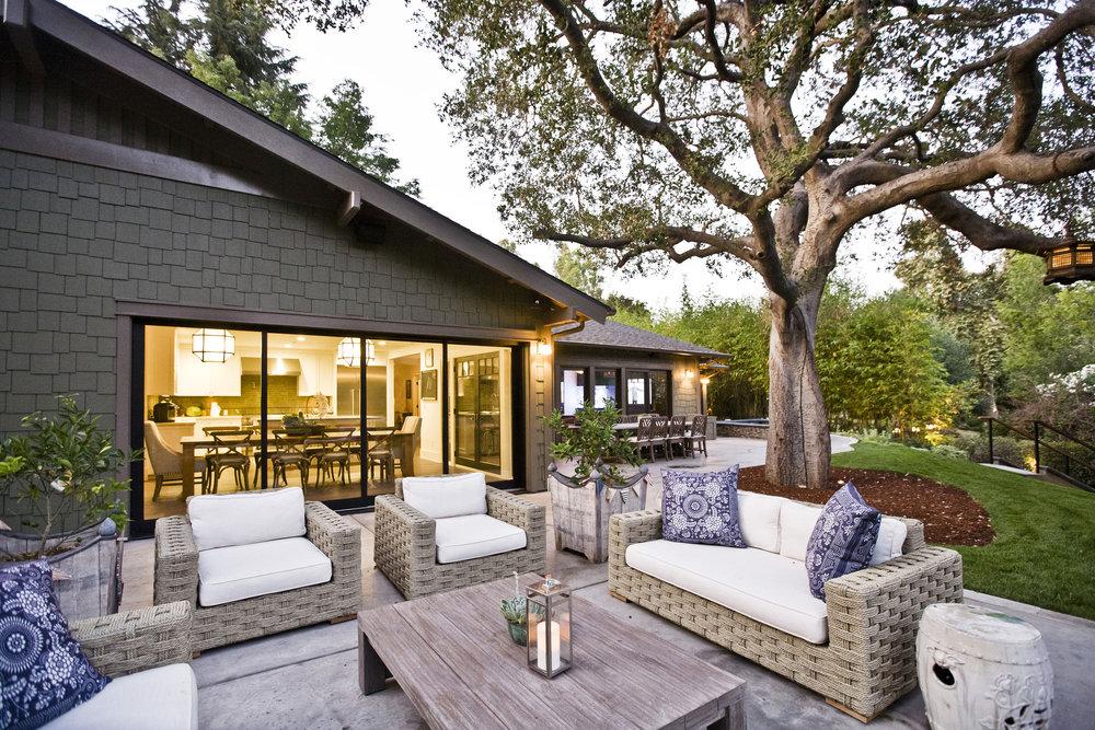 Chelsea-outdoor-furniture-patio.JPG