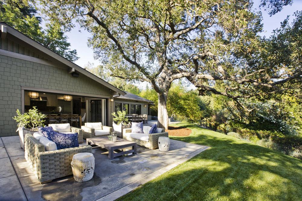 patio-backyard-entertainingspace-Chelsea.JPG