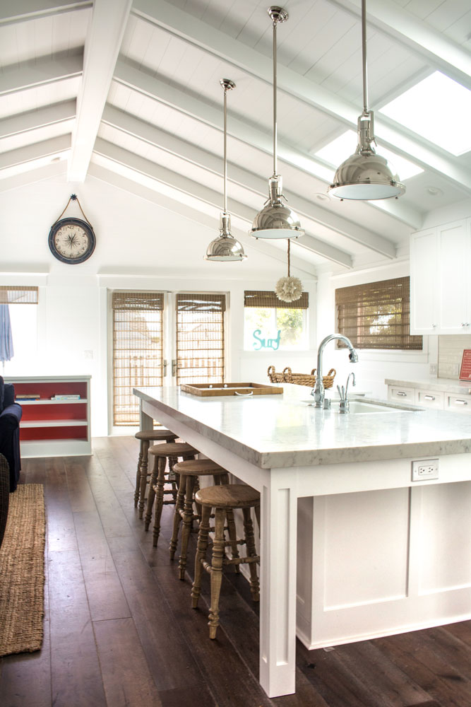 vaulted-ceiling-island-kitchen-chelsea.jpg