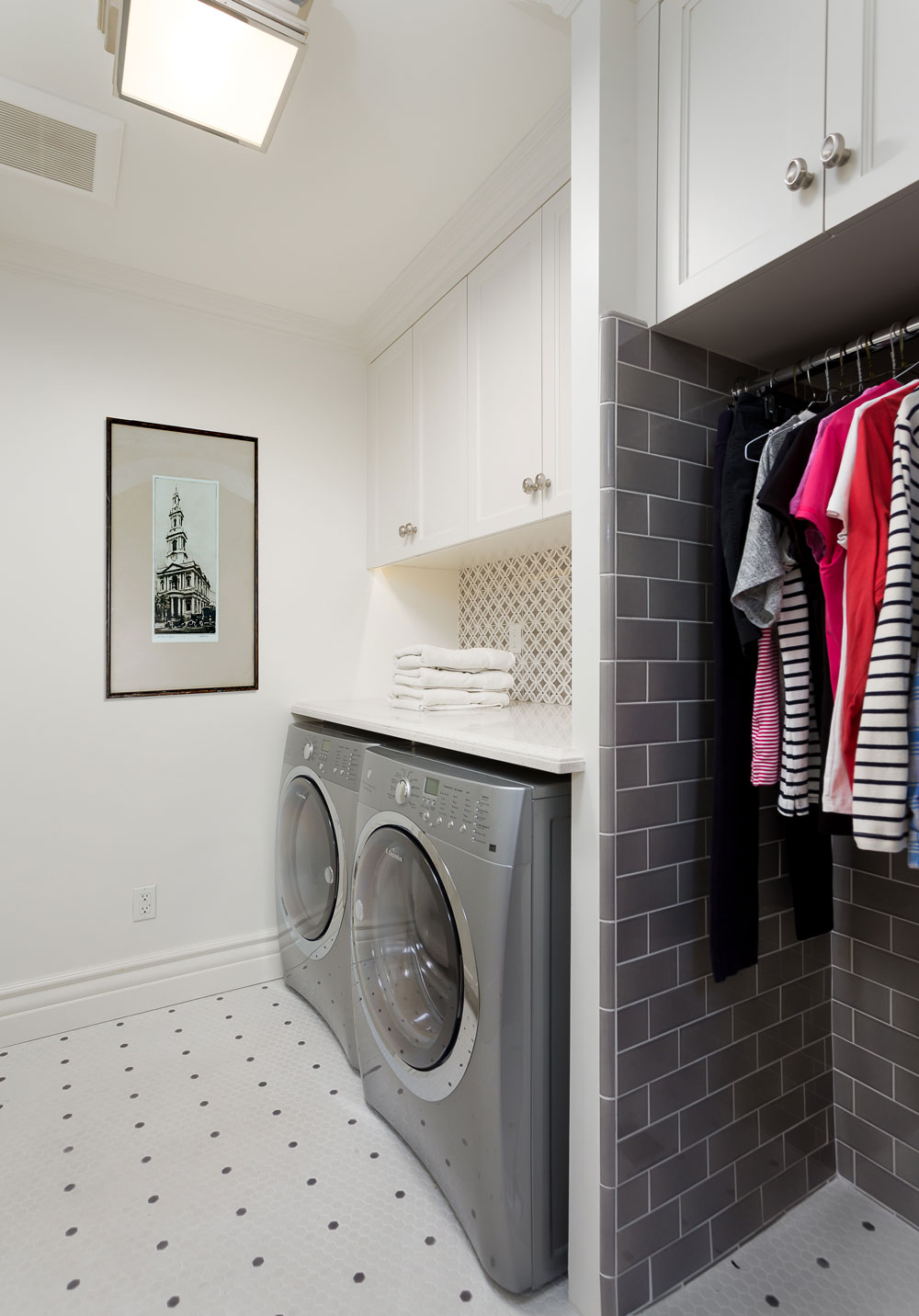 Chelsea-laundry-room-blackandwhite-grey.jpg