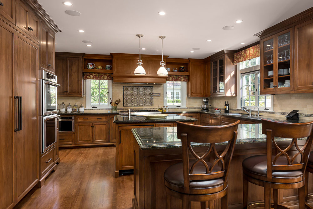 Kitchen-traditional-wood-Chelsea.jpg