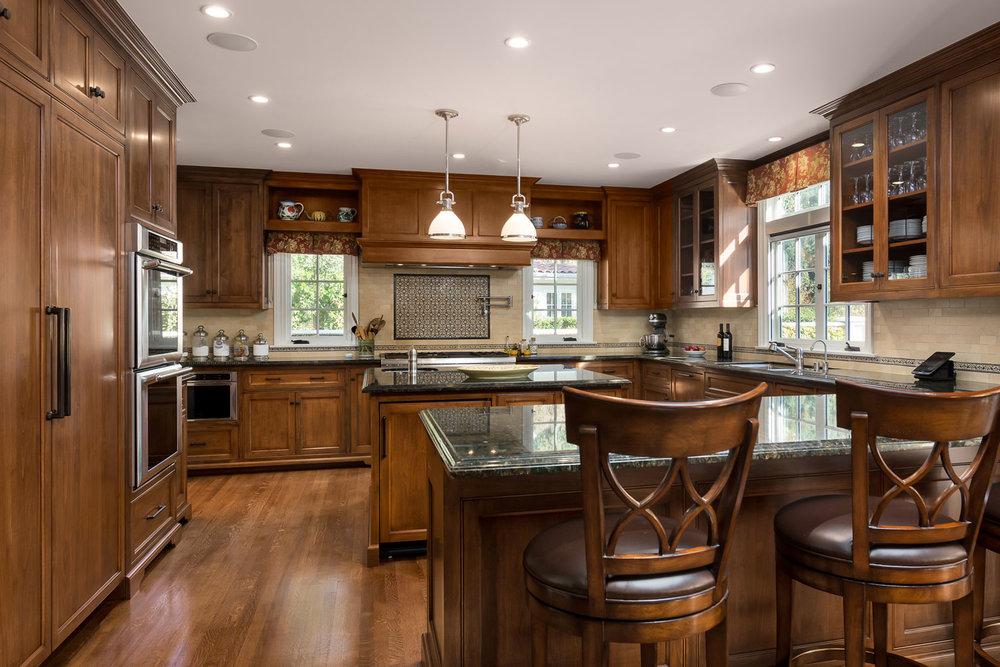 Kitchen-traditional-wood-Chelsea.jpg