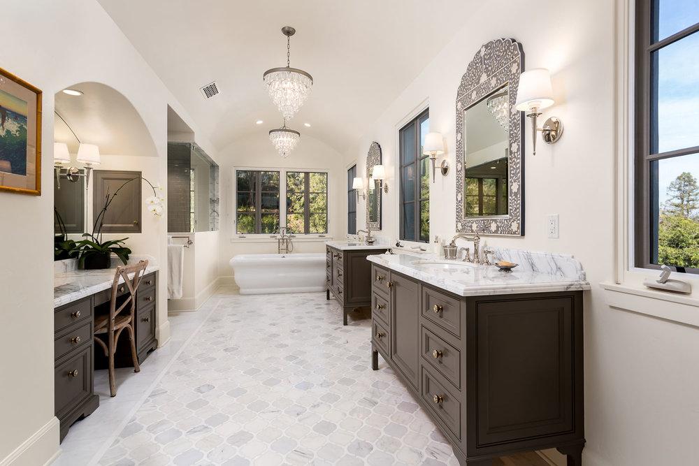 bathroom-chelsea-master-tiled-vanity-tub.jpg