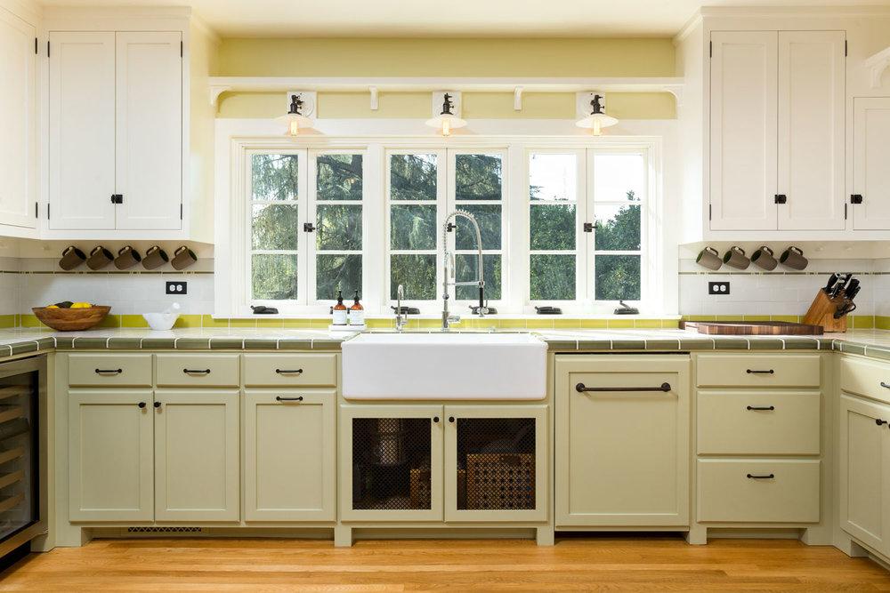 kitchen-sink-window-comtemporary-chelsea.jpg
