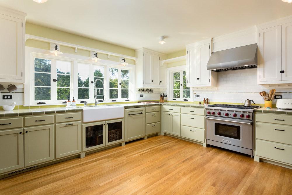 kitchen-wood-floors-chelsea-contemporary.jpg