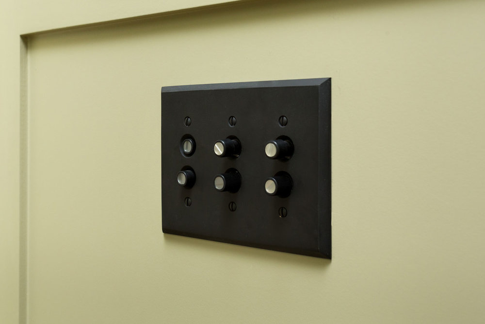 vintage-light-switch-chelsea.jpg