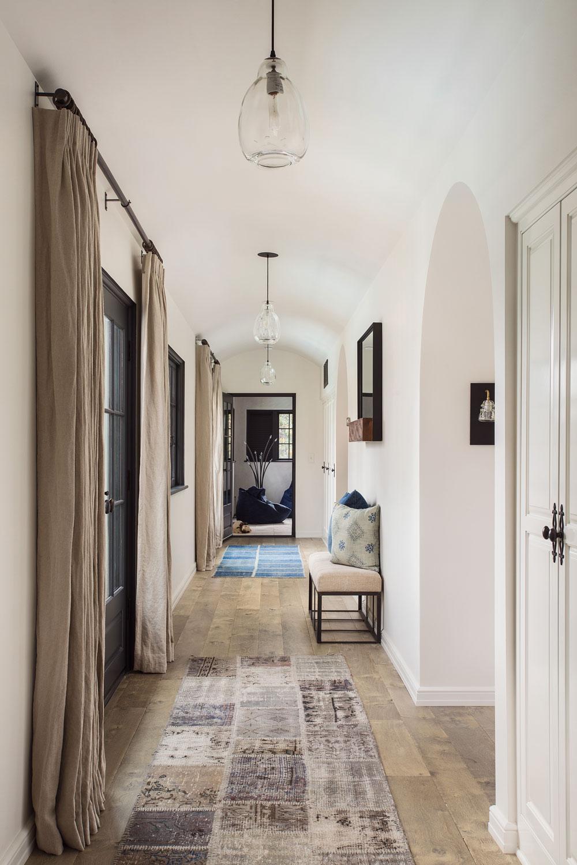 hallway-minimal-spanish-style-chelsea-construction.jpg