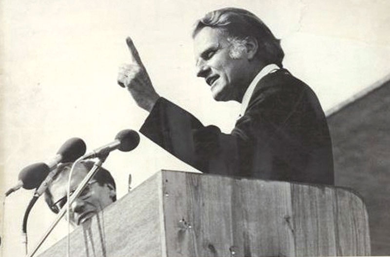 Billy Graham  at the first  Lausanne Congress