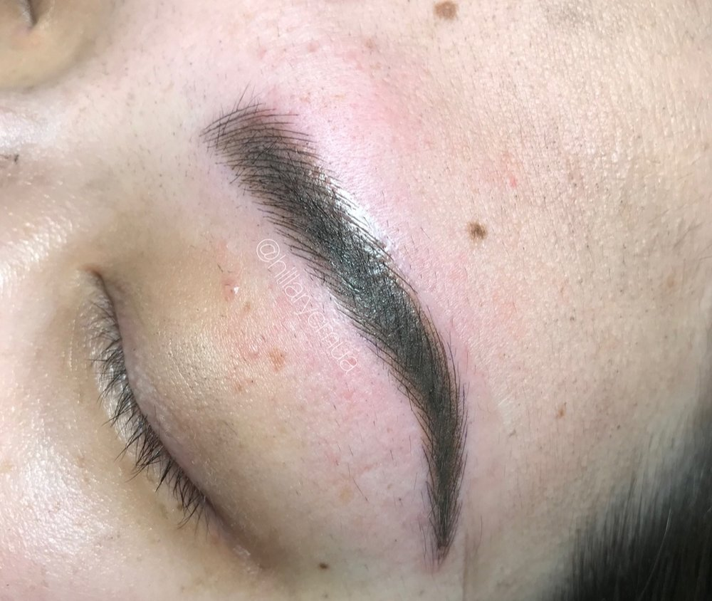 Combo Brow - Microblading and Powdering are both used to create this natural, yet full looking brow! Get the look of a filled in brow without actually doing anything!