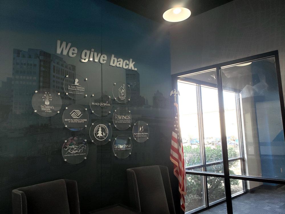 LSIGraphics-National-Headquarters_Wall-Wrap_Dimensional-Logo_Lobby_Memphis-TN ..