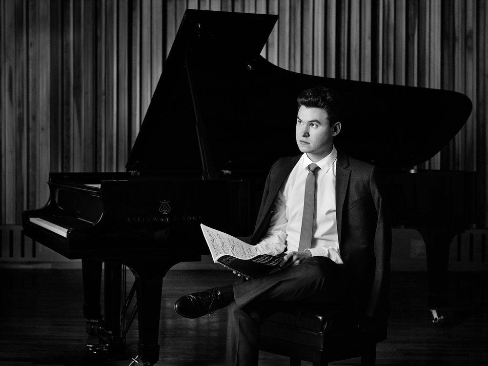 Matthew Graybil - September 25: Schubert-LisztOctober 2: Debussy, Wagner-LisztNovember 6: De Falla, Dvořák, Chopin-Kreisler