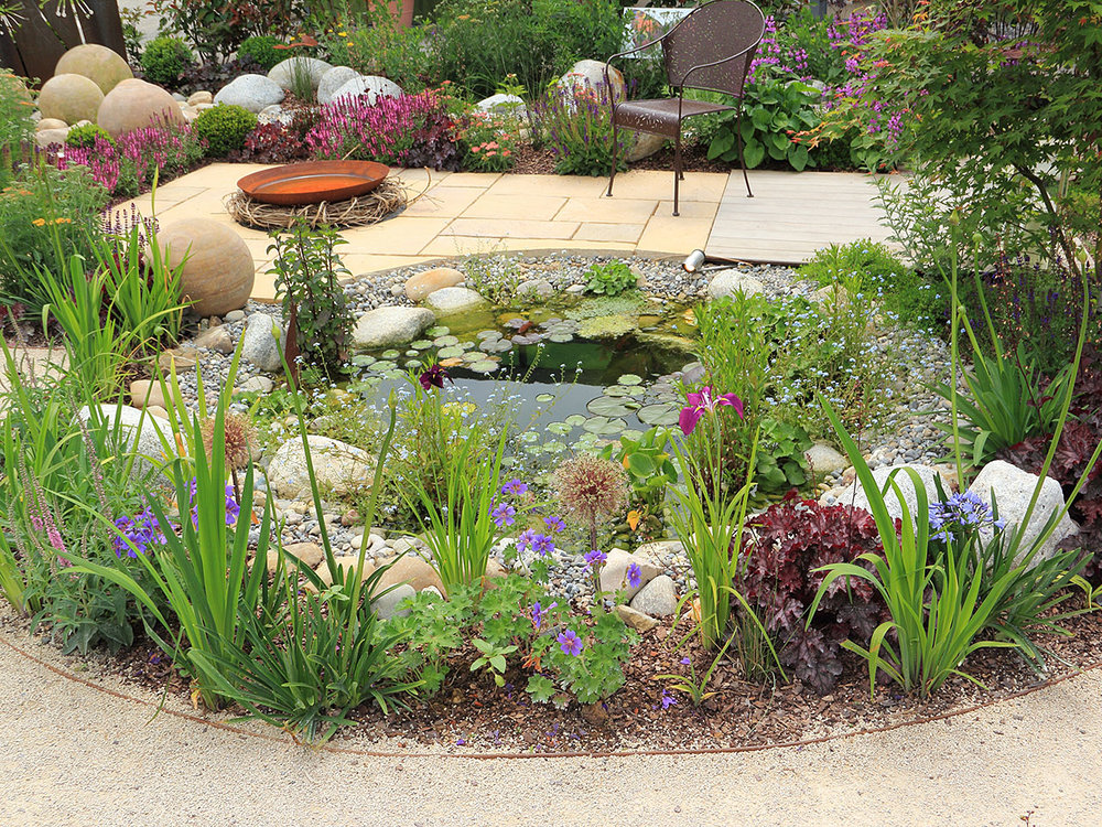 garden-pond-edging-ideas.jpg