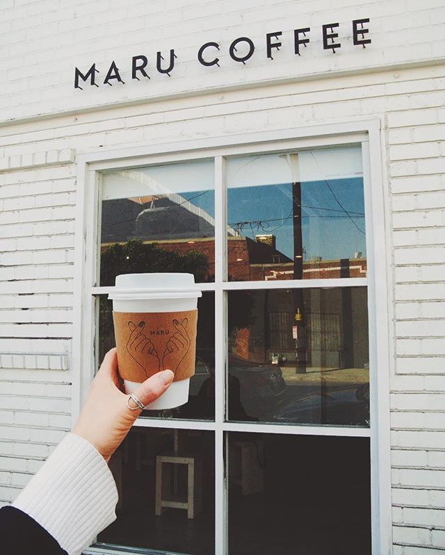 Happy Monday. May your week be filled with quality coffee and good vibes. • • • • • @marucoffeela #neighborhoodwalk #maru #marucoffee #dtla #la #losangeles #coffee #quality #latte #caffeine  #shoplocal #caffeinated #vsco #neighborhood #love #light #clean #fresh #monday #mondayvibes #fallvibes #autumn