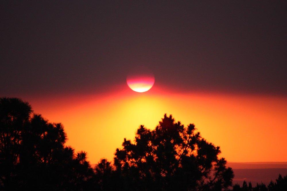 Smoky Sunset_0173.jpg