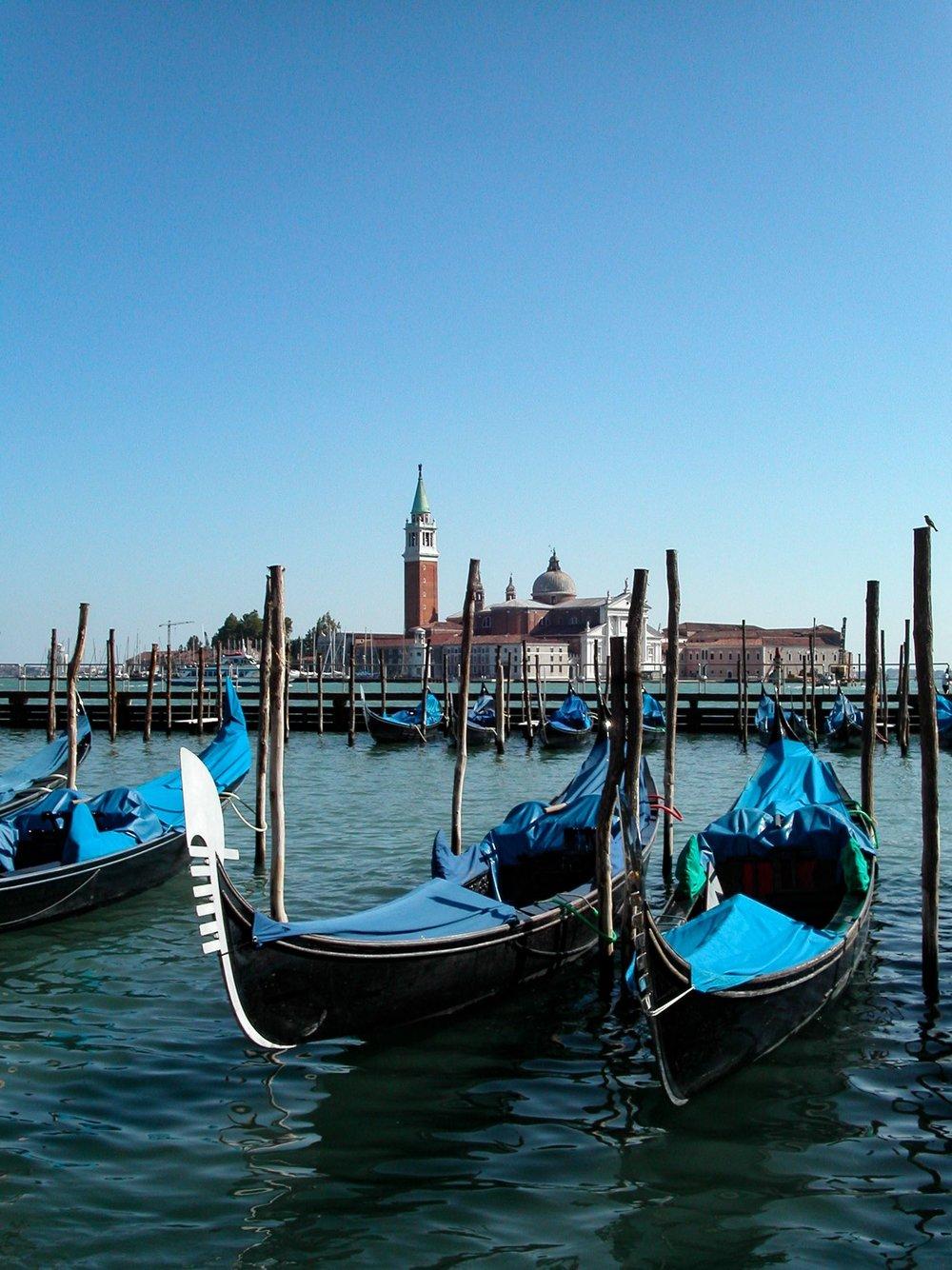 Gondolas_San Giorgio_PICT0200.jpg