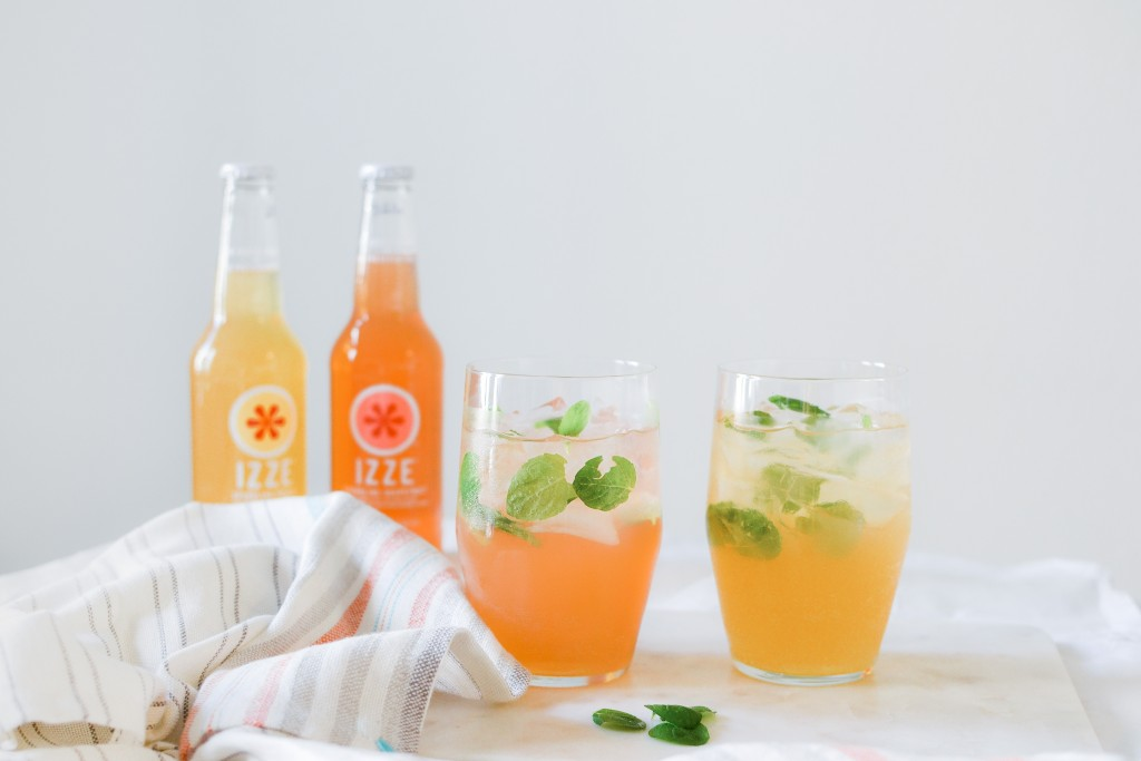 Sparkling Spring Cocktails with IZZE - Noodoso