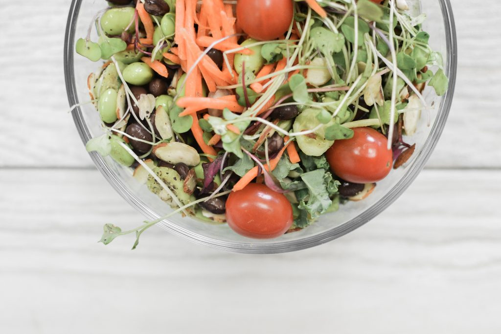 Light and Filling Summer Salad Recipe - Noodoso