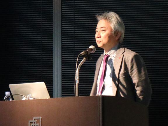 講演時のVALUENEX代表取締役CEO 中村達生