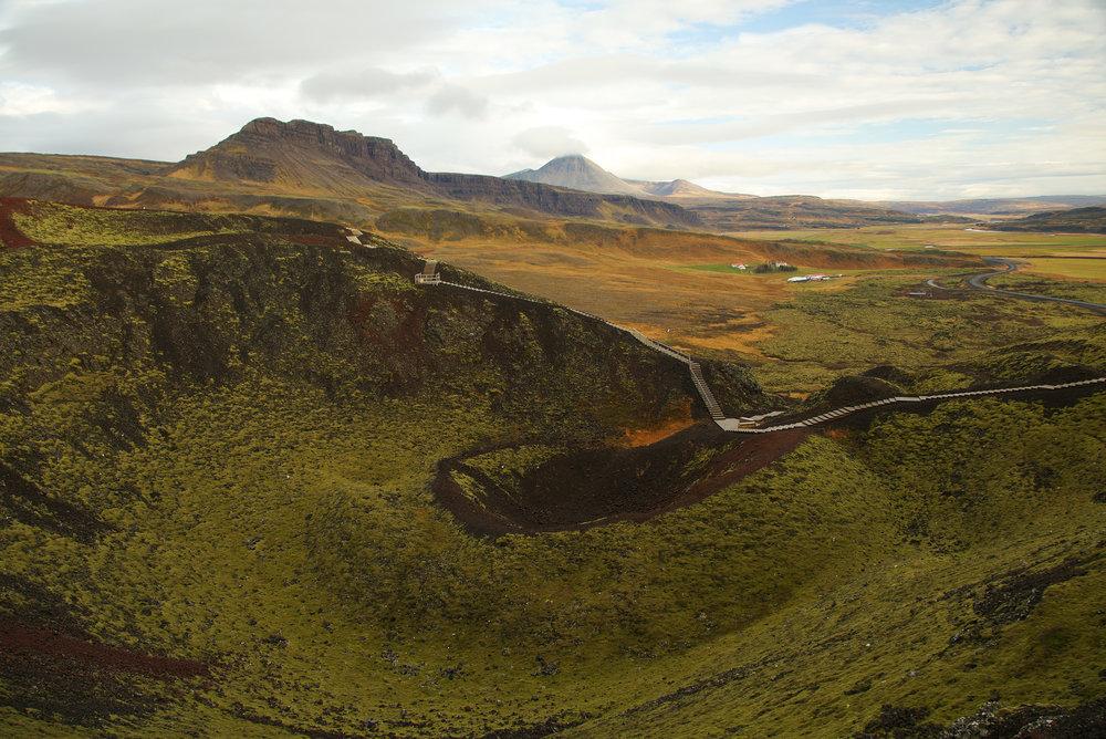 Iceland_Crater&AView.jpg