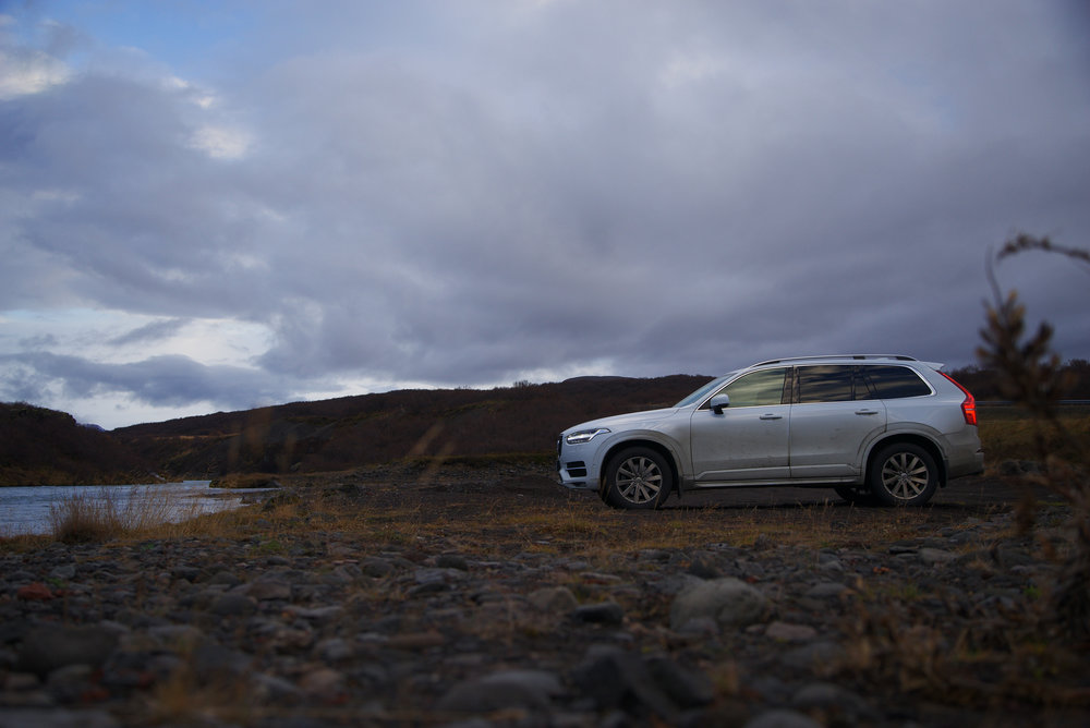 Volvo_XC90_Iceland_Profile_River.jpg