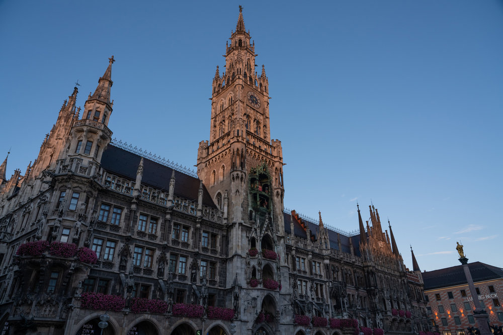 Germany_MunichBigChurch.jpg