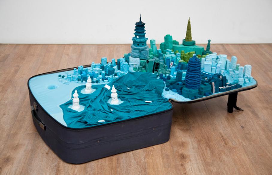 Yin Xiuzhen,  Portable City , 2011