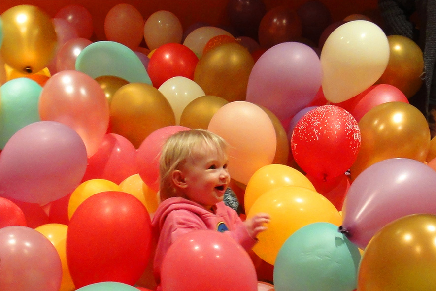 balloon room2.jpg