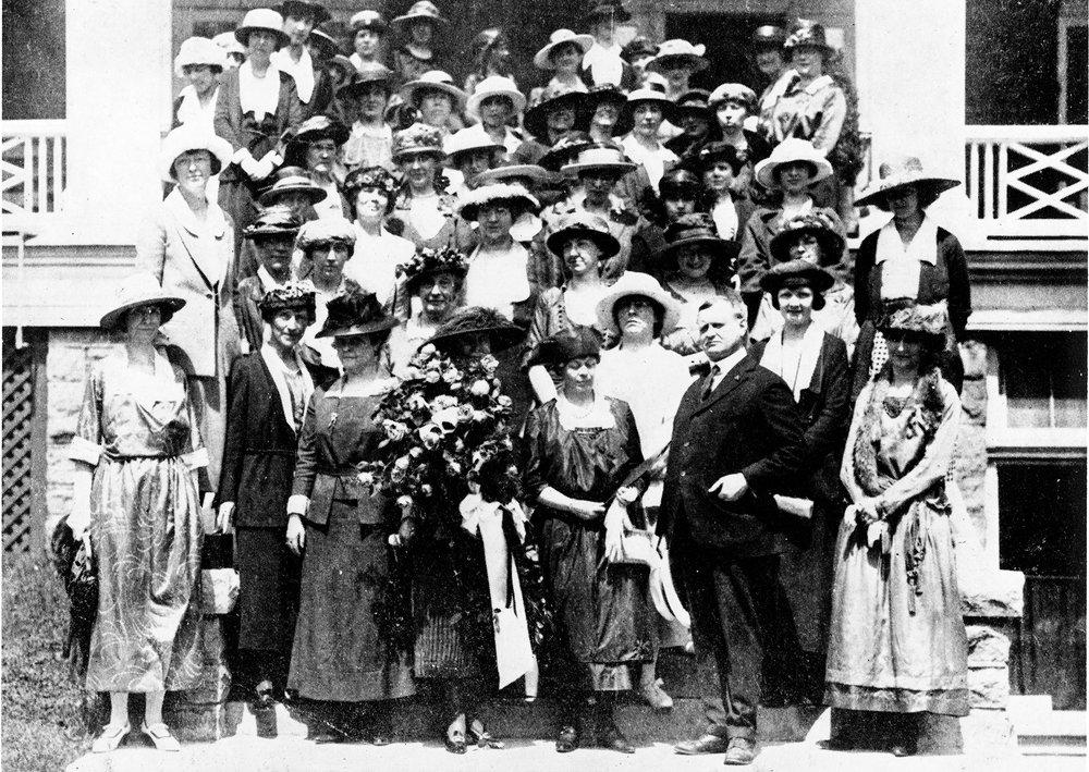 1921 Niagara Falls, UW of C meet Mdm Currie web size.jpg