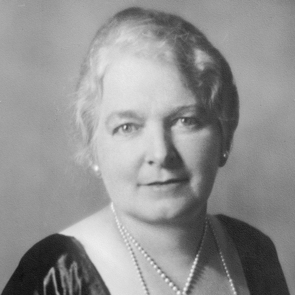 1922-23 Elizabeth Gillies -.jpg