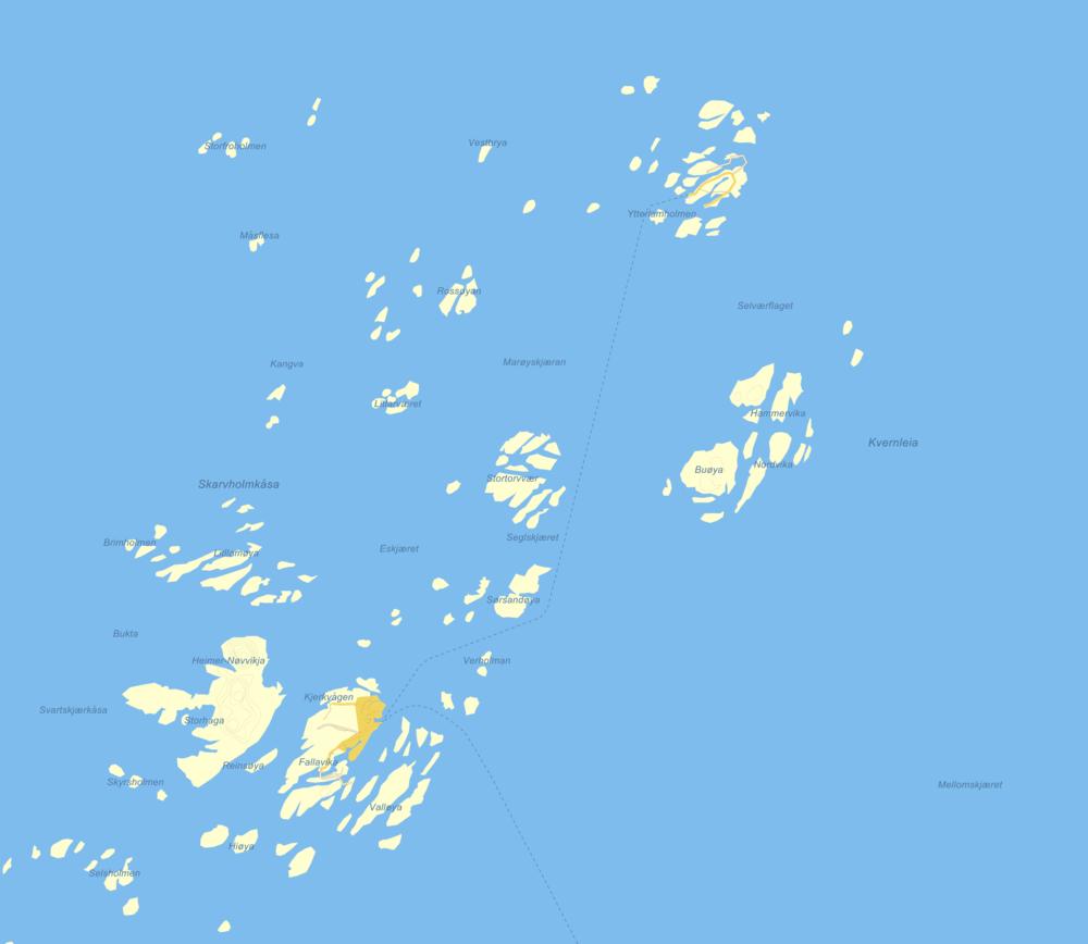 Træna kommune  med Sanna og Husøy i sør-vest, dvs. nederst til venstre. Selvær finner du tolv kilometer nordover, nesten øverst på kartet. Dørvær kalles øyene sør-sør-vest for Selvær, dvs. skrått under til høyre. Fergeleie ser du som en stiplet linje.